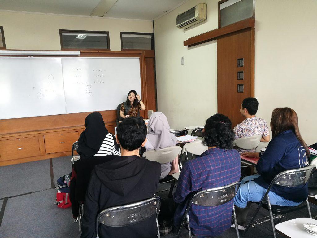 Kaiwakai bersama native speaker Ms. Yukari Okada 2